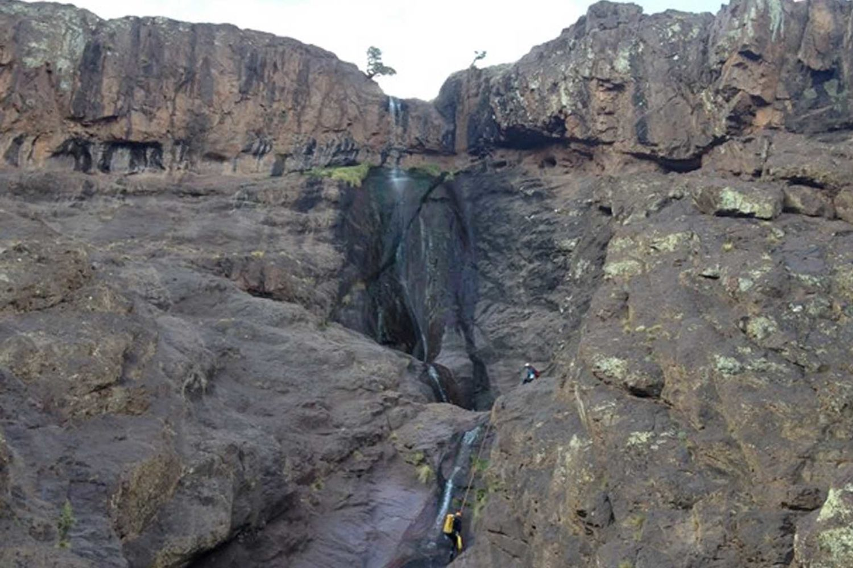 Iktichaf Travel Canyoning Morocco Tichka